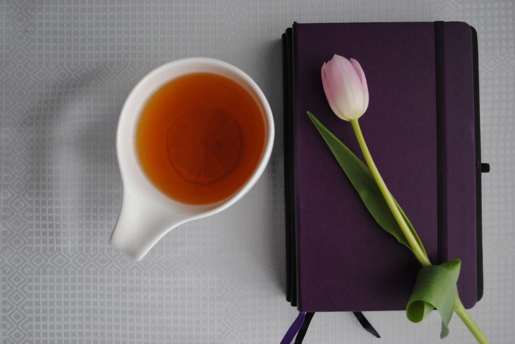 Notatnik pokazuje jak zmienić swoje życie, można dzięki niemu dostrzec wiele rzeczy.